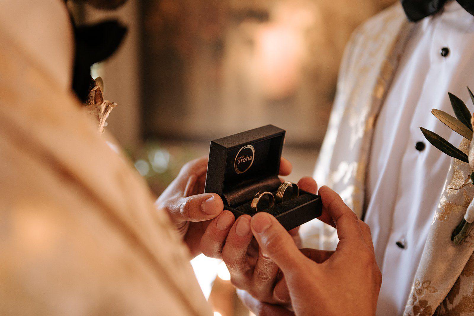 handgesmede trouwringen goudsmid